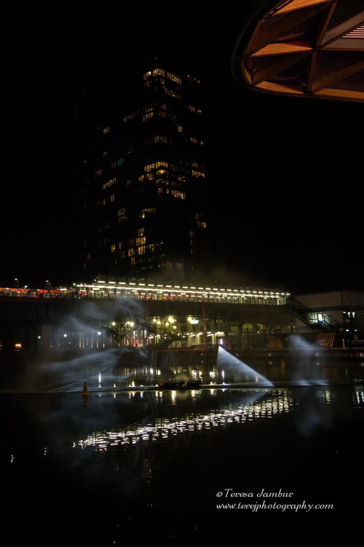 Canary-Wharf-Winter_lights-2017-Water_Wall-4.jpg