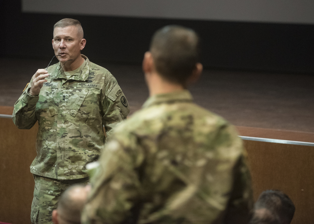 The Army's top aviator meets with Soldiers of 12th Combat Aviation Brigade