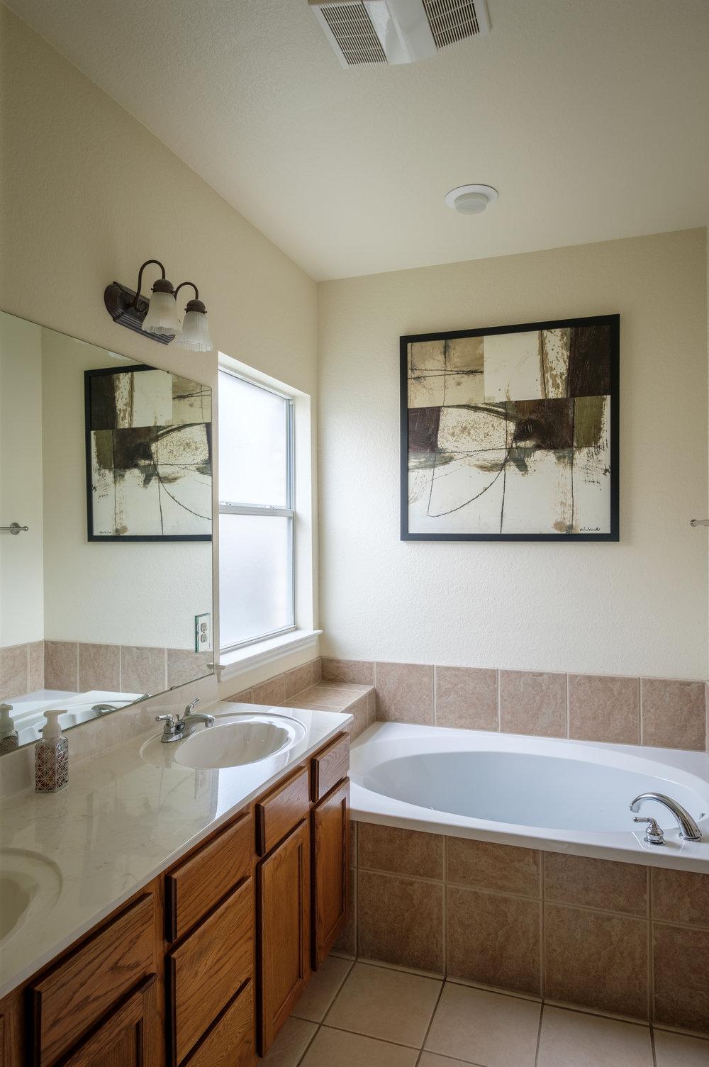Real Estate Interior - Master Bathroom