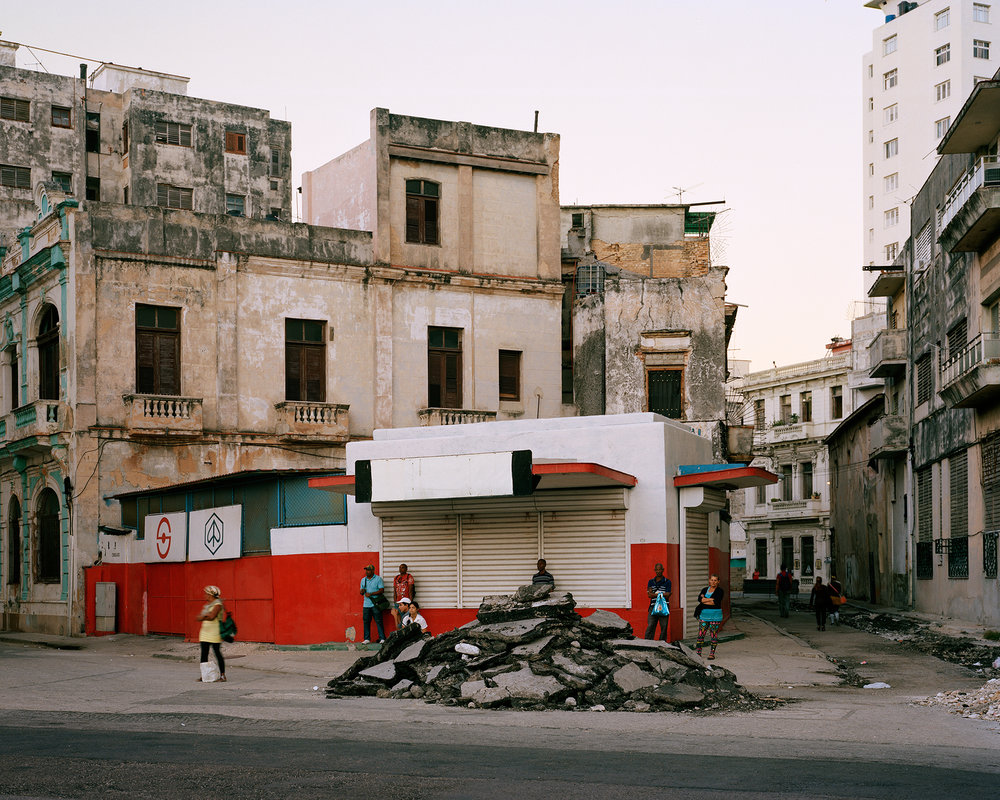 Havana Waiting, 2014  40 x 50 inches (101.6 x 127 cm)  Large Format Negative, Archival Inkjet Print