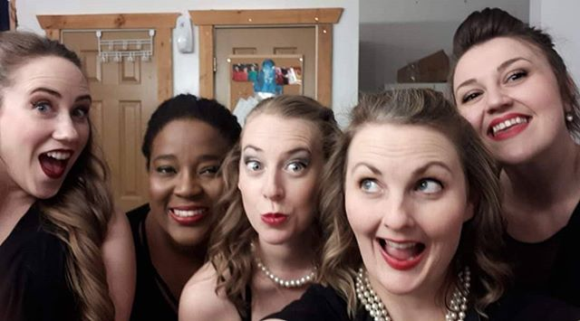 About last night. We had a blast opening Broadway Showstoppers @ohcanadaehshow! Two more shows this weekend. And plenty of chances to see us between now and April. (Link to tix in bio) 📷:@singoutlouisa . . . #singer #actor #ladies #broadwayshowstoppers #broadway #Niagara #NiagaraFalls #Musical #musicaltheatre #live #music #OCE #OhCanadaEh #fun #redlips #theatre #dinnertheatre
