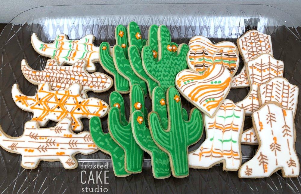 FrostedCakeStudio-CookiesNobleBearfullsizeoutput_8ee2.jpg