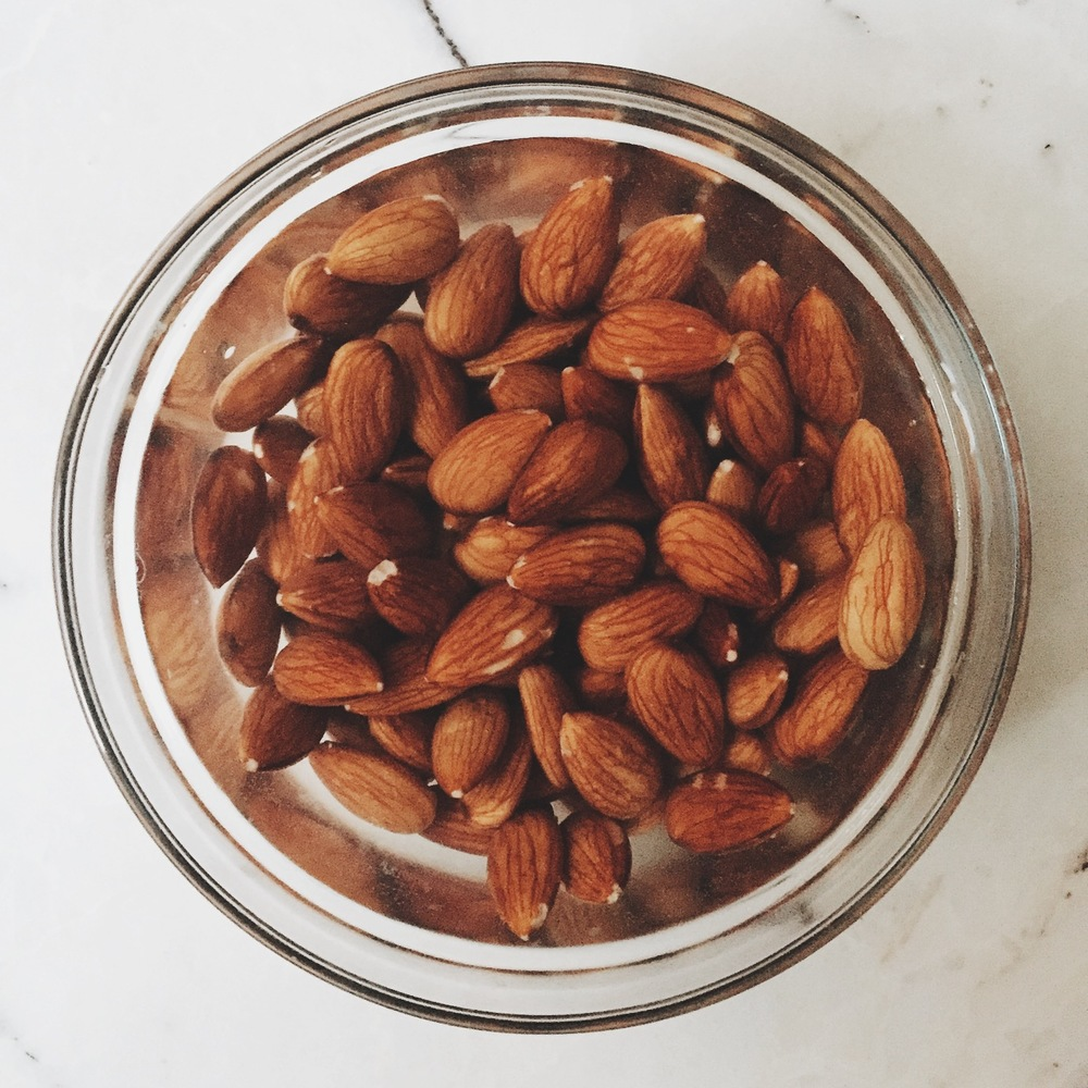 How to Make Your Own Homemade Almond Milk