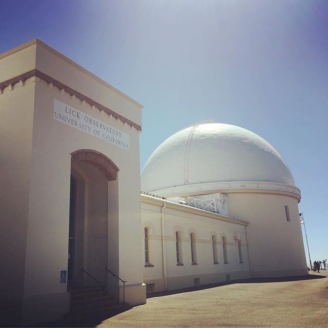 Finally made the climb to #mthamilton & #lickobservatory Highest peak in the Bay Area 🚴‍♂️ (more or less). The original building and telescope were completed in 1887 with money from Gold Rush entrepreneur, James Lick, whose body is buried beneath the telescope inside the dome. Thanks to all the riders @performancebike for organizing the trip. #cycling #diablorange #awol