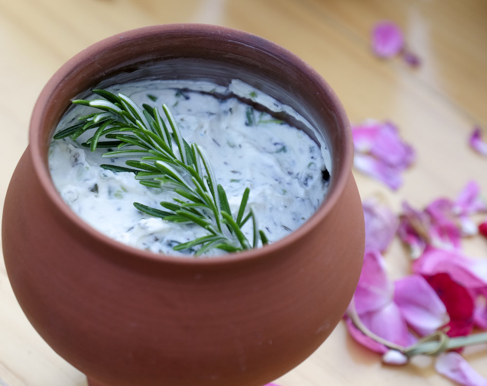 delicious roman recepie for a fresh cheese and herb spread