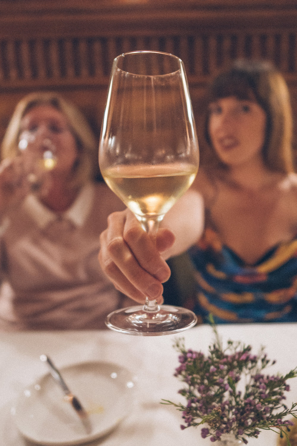 hotel blogr Jamie patterson enjoys wine with mother in law in polish restaurant jade, Wroclaw