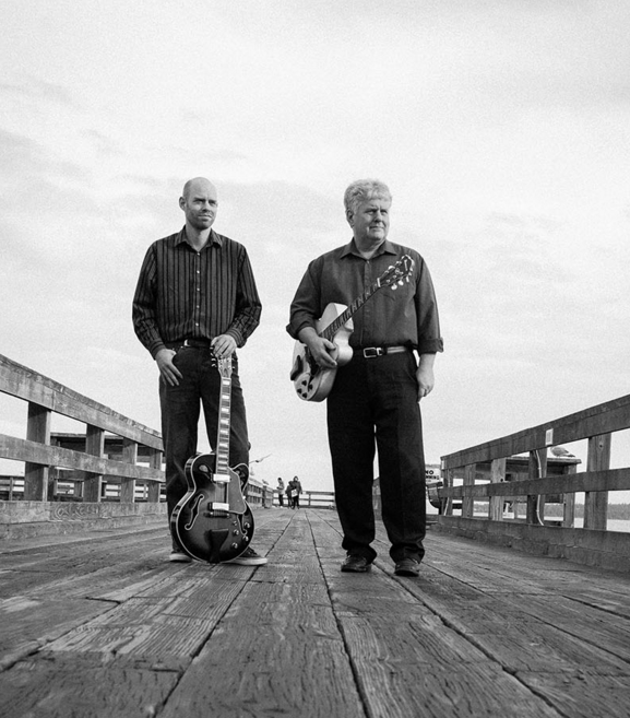 Jazz Guitar duo: 13 Strings