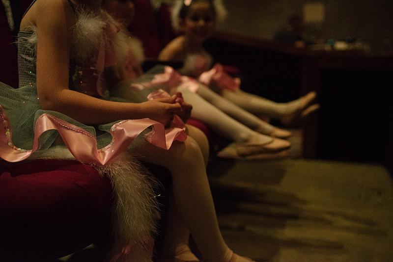 Mae Burke Motherhood Photographer First Ballet Recital_0102.jpg