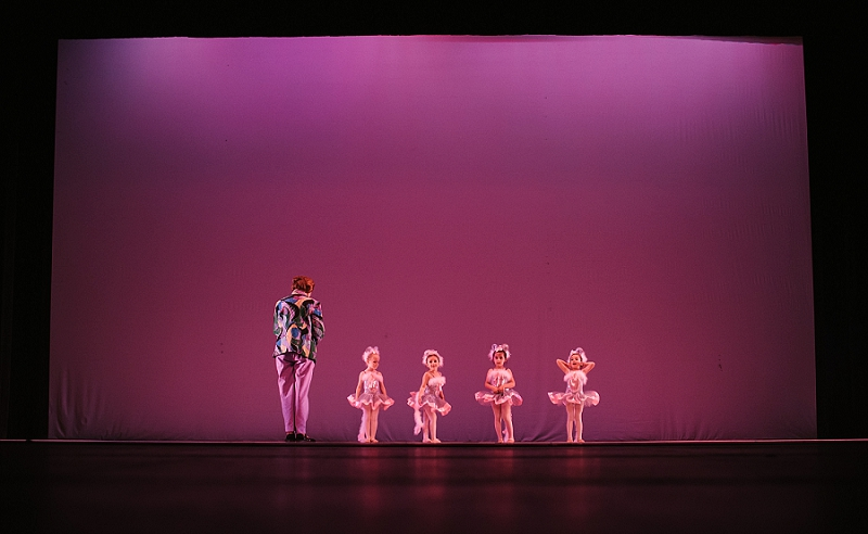 Mae Burke Motherhood Photographer First Ballet Recital_0104.jpg