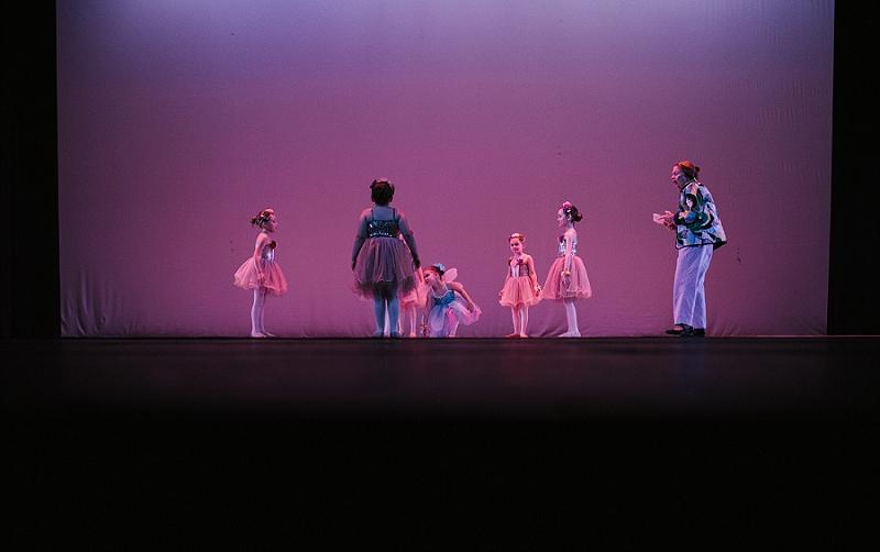 Mae Burke Motherhood Photographer First Ballet Recital_0105.jpg