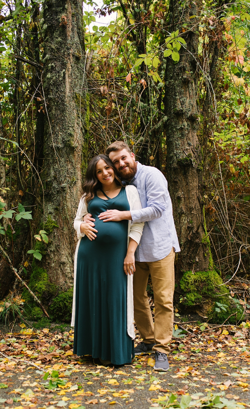 Mae Burke Fall Seattle Maternity Session in Discovery Park-12.JPG