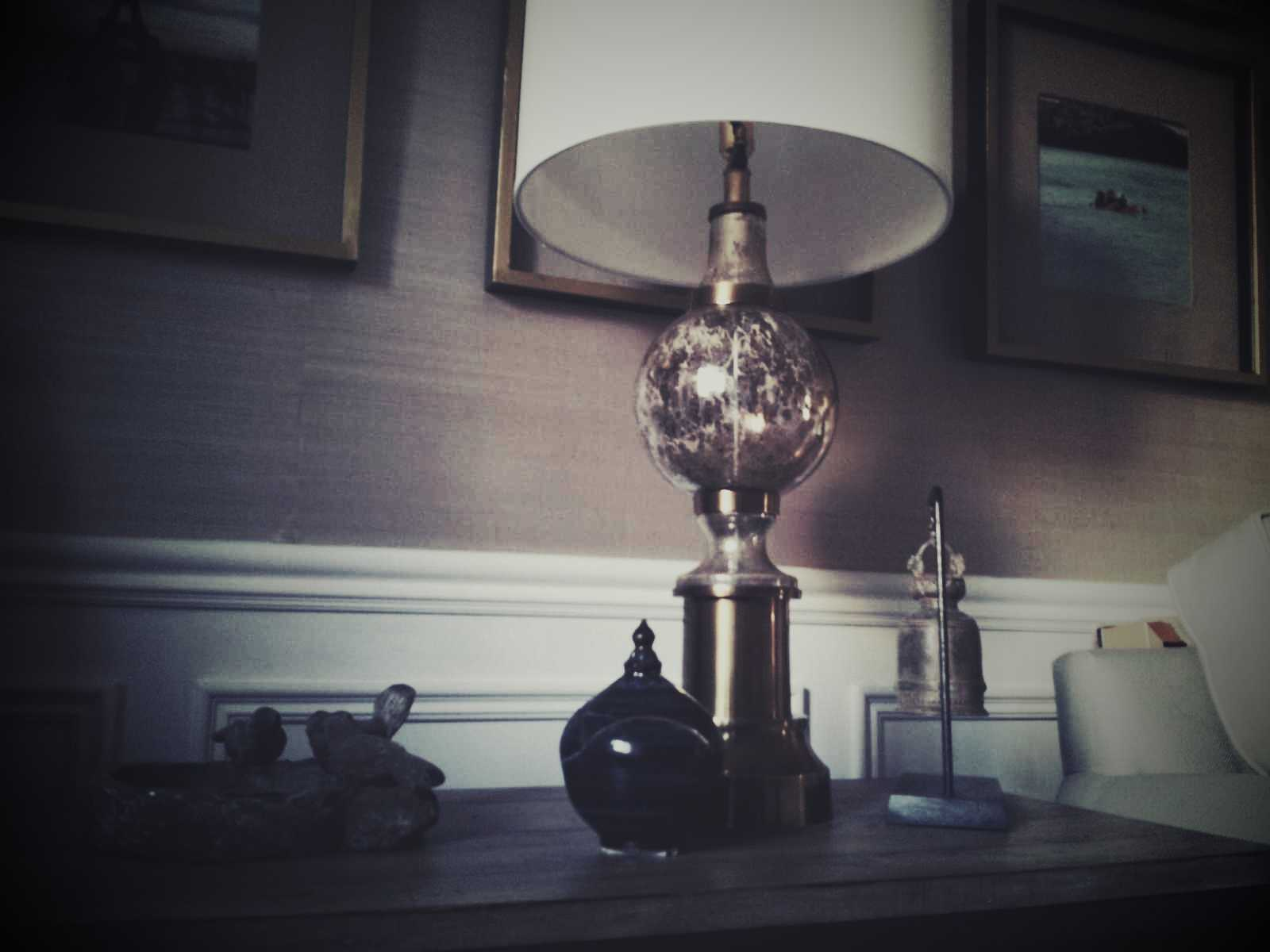 Living room, lamp with gold accents