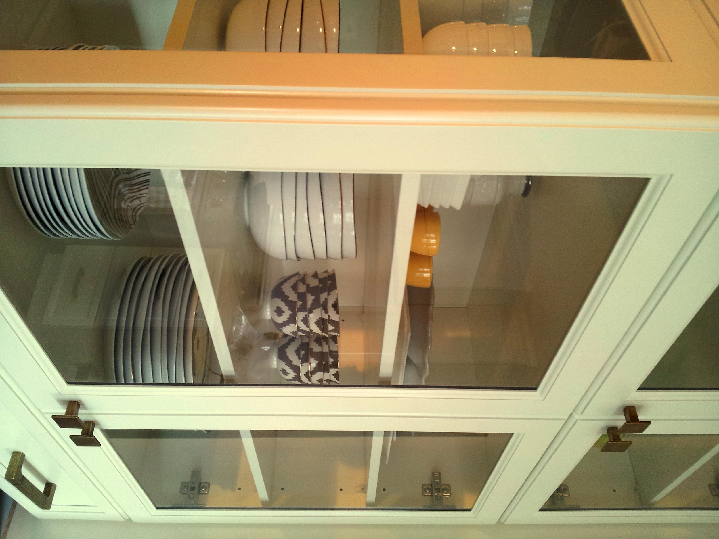 Glass cabinet hutch