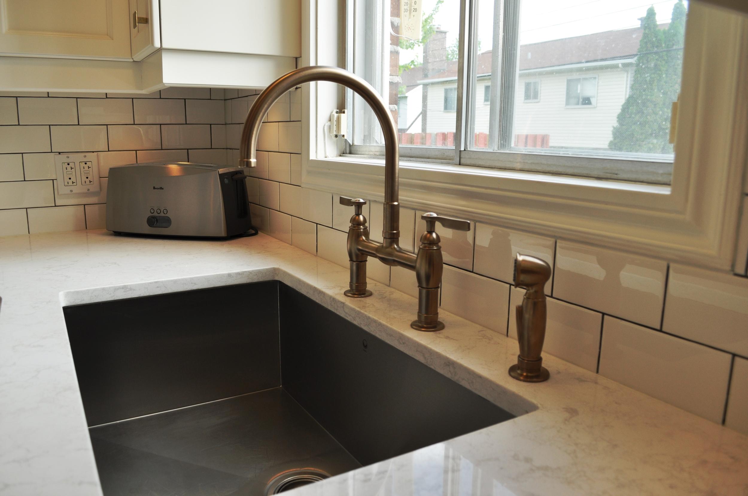 Velvet Toolbox Kitchen, Sink
