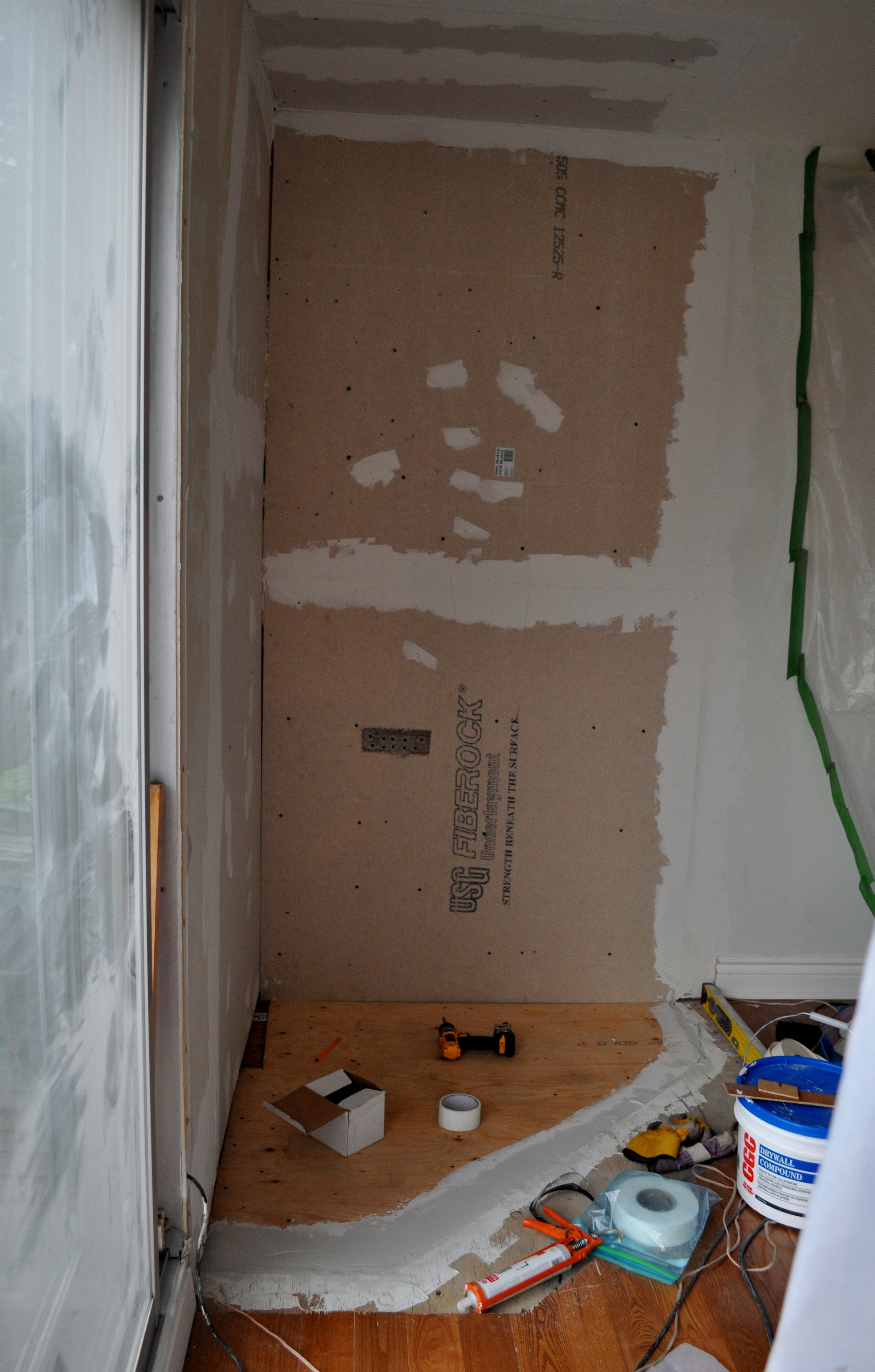 Ex-Fireplace, Drywall