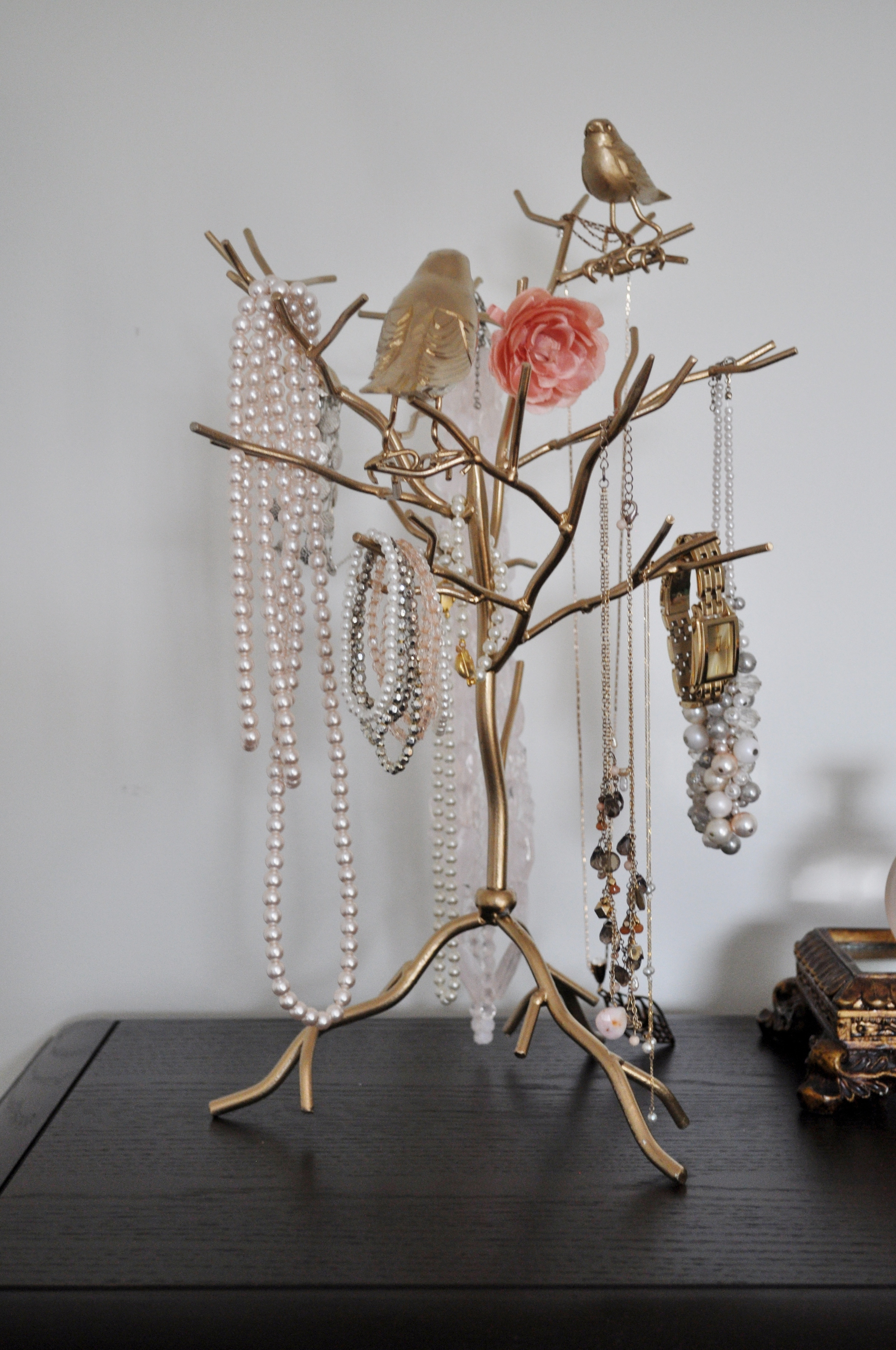 Gold Jewellery Holder 3