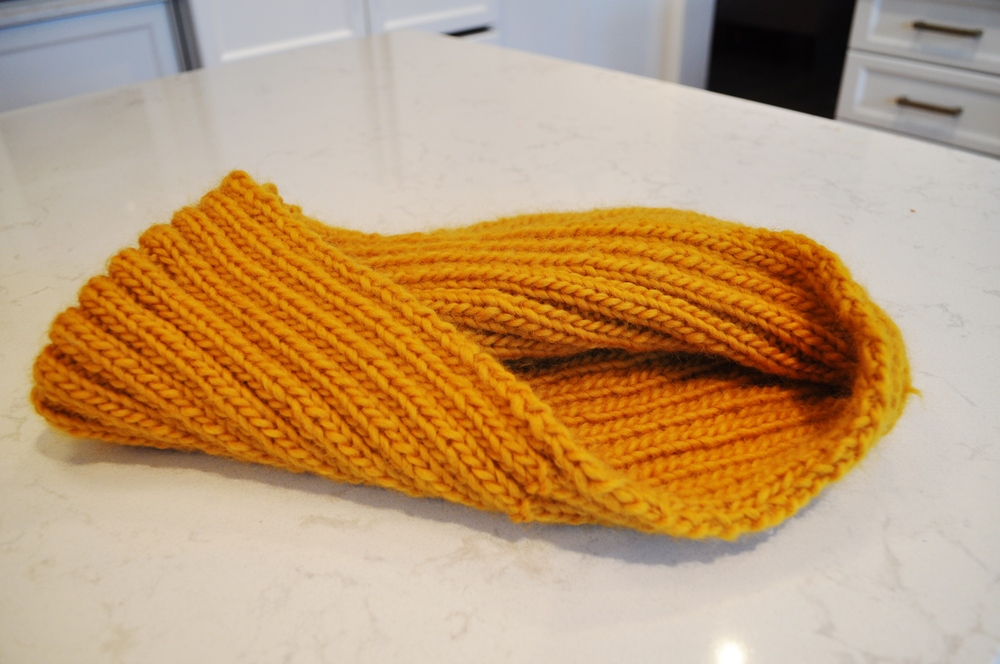 Gold circle scarf