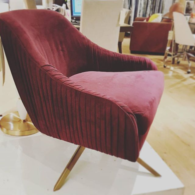 want. #westelm #westelmmontreal #ihavethisthingwithchairs