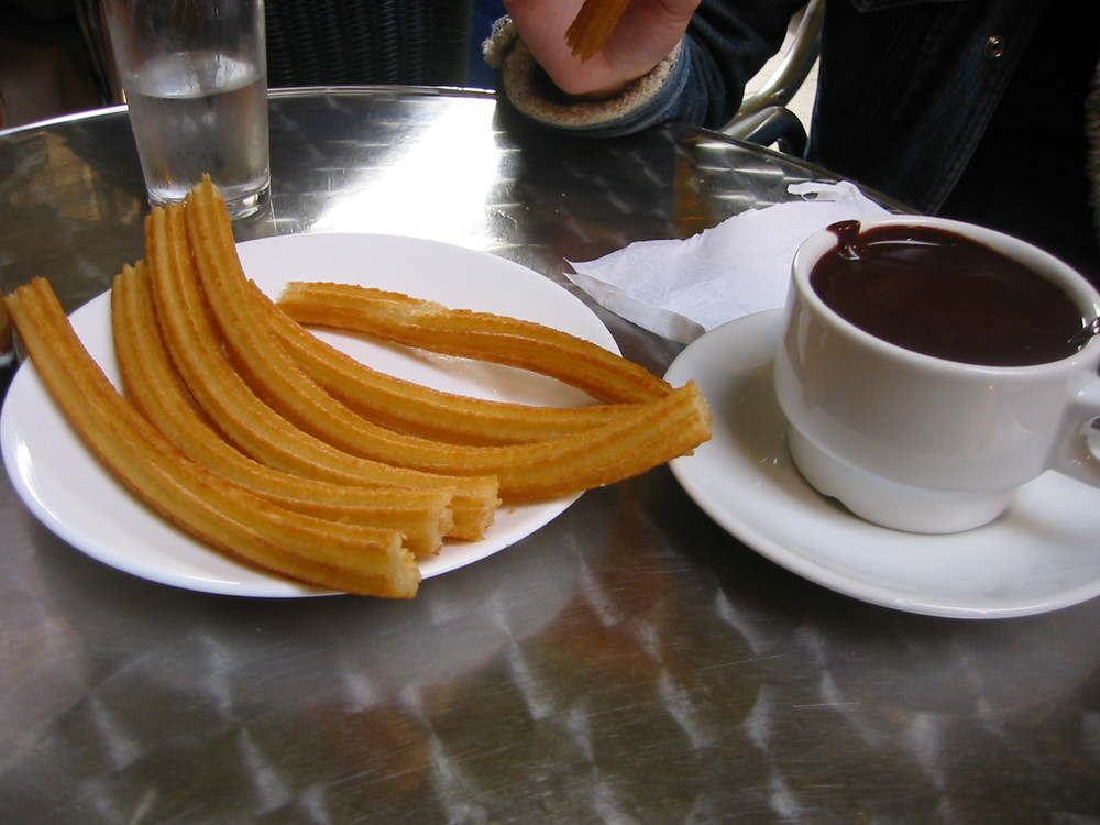 churros-chocolate-dipping-sauce-madrid-spain