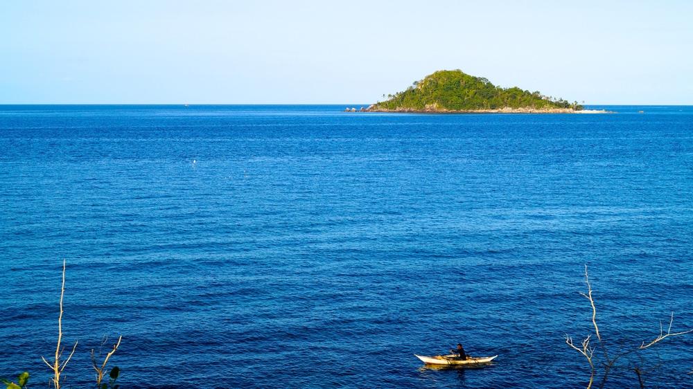 Islas de Gigantes, Visayan Sea, Bangka Fisherman - illumelation.com