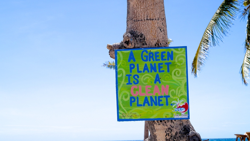 Philippines, Islas De Gigantes - Green Planet is a Clean Planet - illumelation