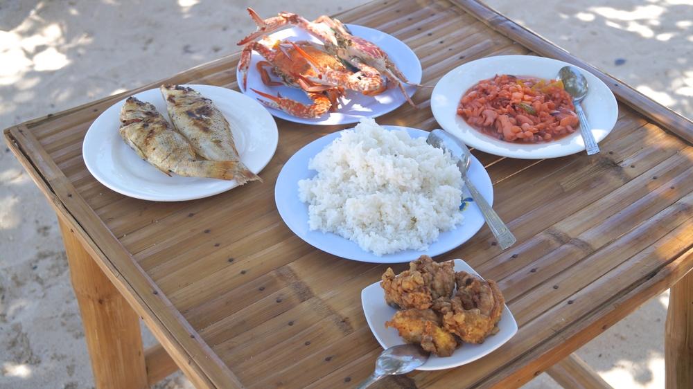 Islas de Gigantes - Antonia Island - Seafood Spread - illumelation