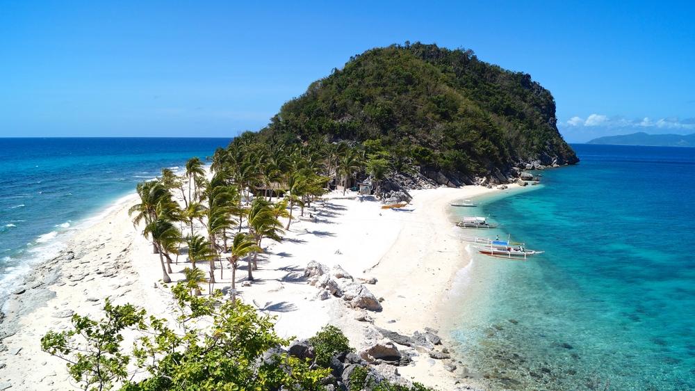 Off the Grid - Islas de Gigantes, Cabugao Gamay Island, Philippines - illumelation.com