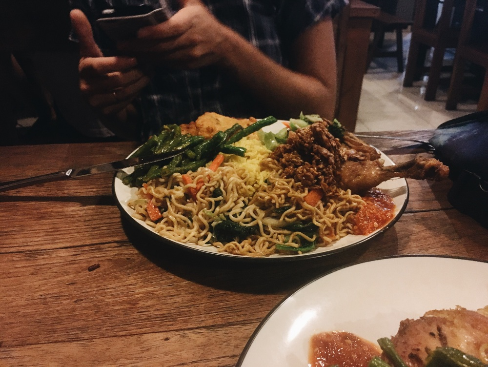 Warung Bu Mi - Heaps of food for less than 40,000! Score, mate. Score. Totally recommended.
