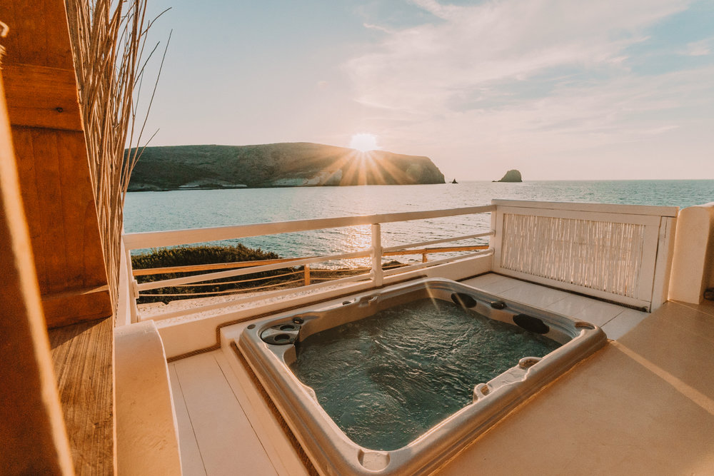 Salt Milos Outdoor Hot Tub - illumelation
