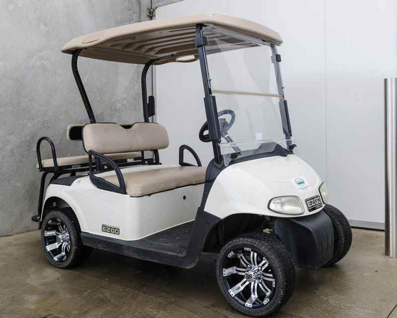 E-Z-GO Hire Golf Car