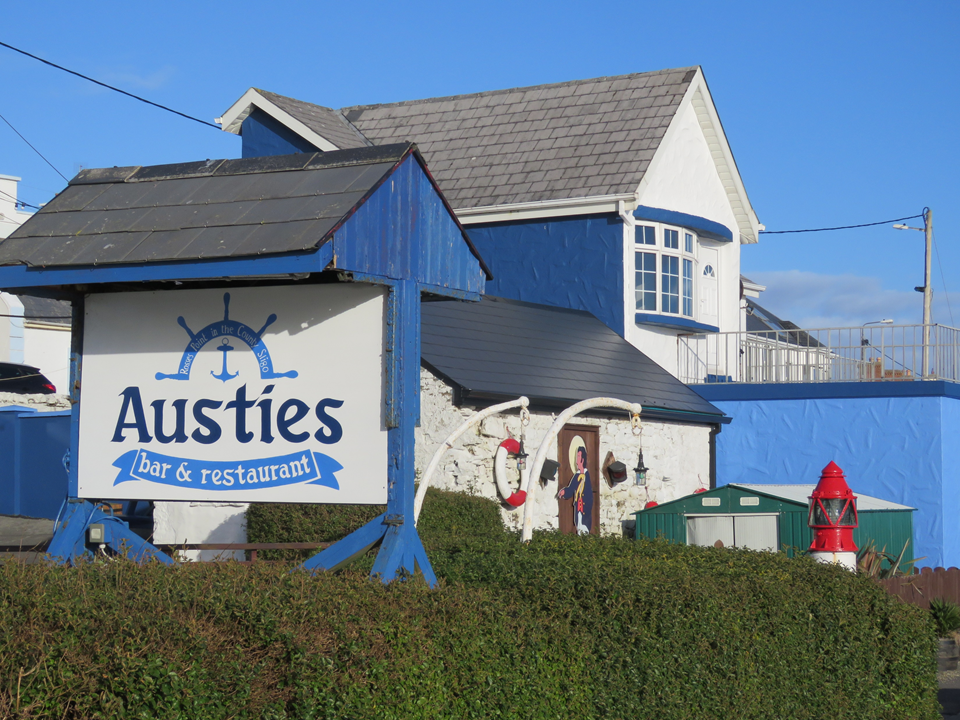 Austies Bar & Restaurant
