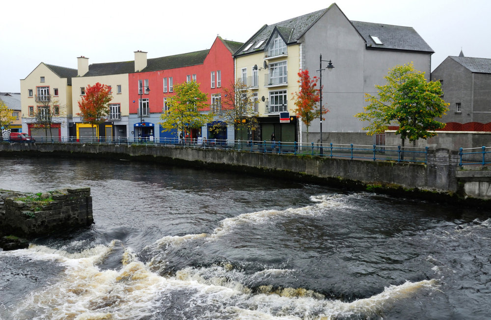 Sligo Town   The Garavogue river flows through it