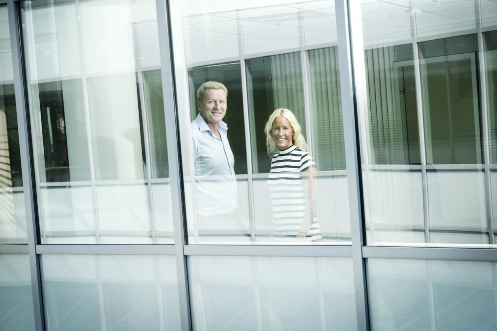 Left: CEO for Phonero Thore Berthelsen  Right: Financial Ceo for Phonero, Sunniva Finne