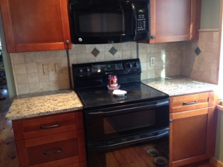 kitchen-backsplash-makeover-bendzin-1.jpeg
