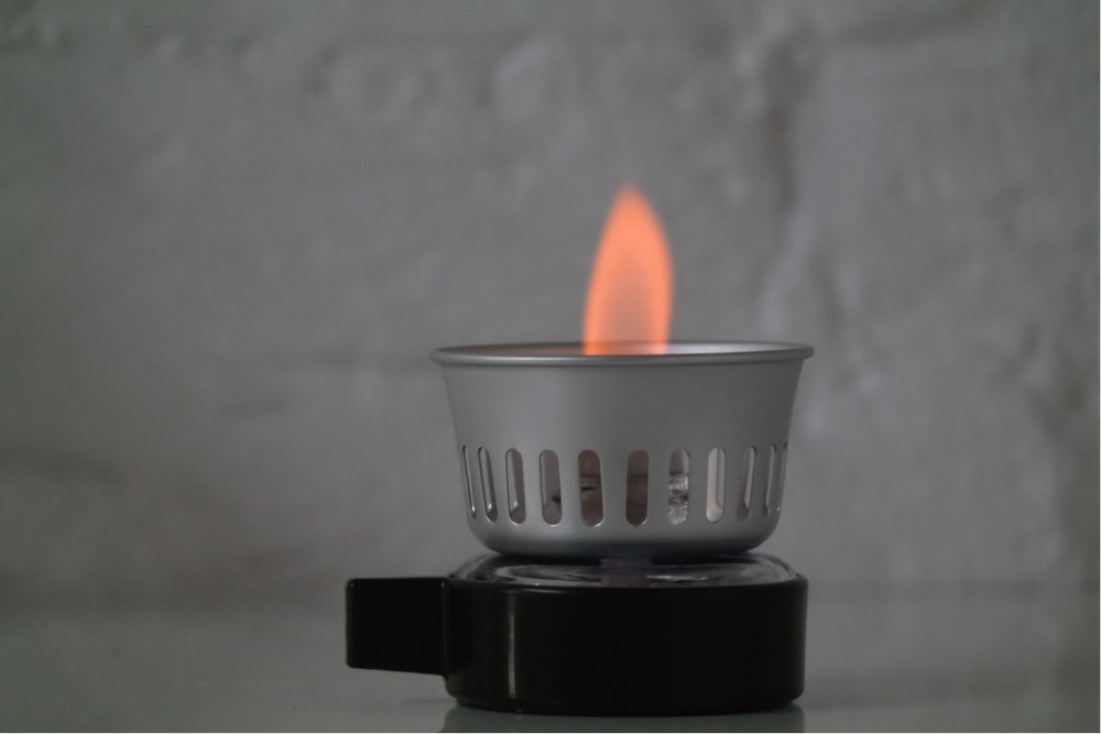 Light the burner, the flame should be around 4cm tall.