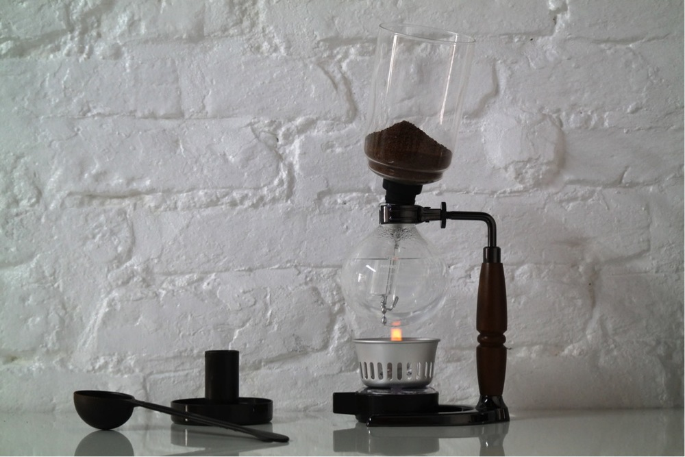 "Normal.dotm   0   0   1   9   54   Gorilla Grafiks   1   1   66   12.0                      0   false       18 pt   18 pt   0   0     false   false   false                                       /* Style Definitions */ table.MsoNormalTable 	{mso-style-name:""Table Normal""; 	mso-tstyle-rowband-size:0; 	mso-tstyle-colband-size:0; 	mso-style-noshow:yes; 	mso-style-parent:""""; 	mso-padding-alt:0cm 5.4pt 0cm 5.4pt; 	mso-para-margin:0cm; 	mso-para-margin-bottom:.0001pt; 	mso-pagination:widow-orphan; 	font-size:12.0pt; 	font-family:""Times New Roman""; 	mso-ascii-font-family:Cambria; 	mso-ascii-theme-font:minor-latin; 	mso-fareast-font-family:""Times New Roman""; 	mso-fareast-theme-font:minor-fareast; 	mso-hansi-font-family:Cambria; 	mso-hansi-theme-font:minor-latin; 	mso-ansi-language:EN-US;}       Place the upper bowl at a slight angle on top of the lower bowl."