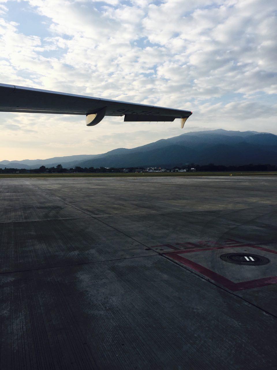 airplanemountains.jpg