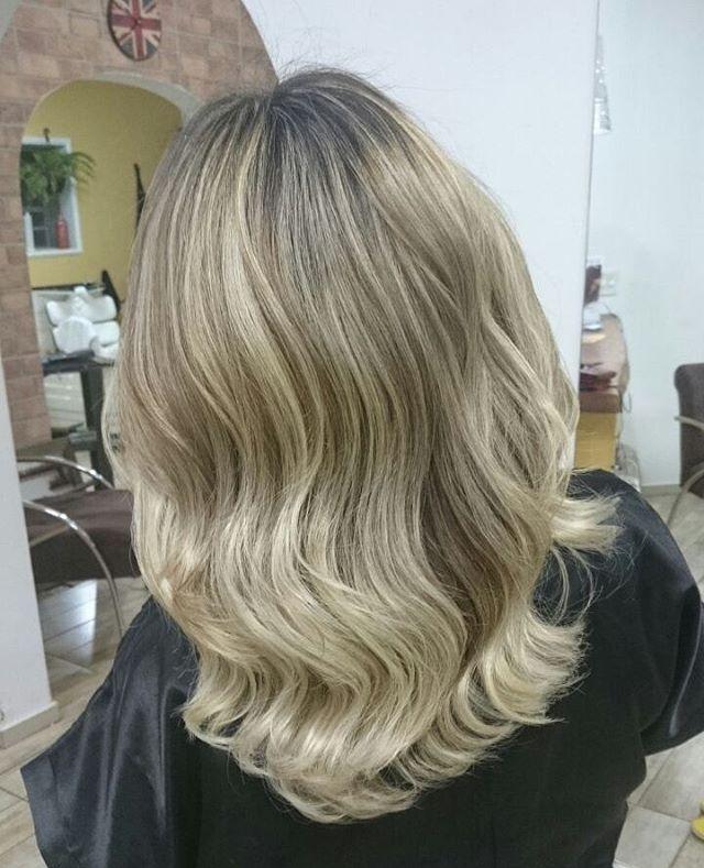 Que tal este #DGblonde?? #cabeloslindos #cabelosloiros #cabelos_loiros #alojahair #dinhogamarra #campogrande #MS #especialista