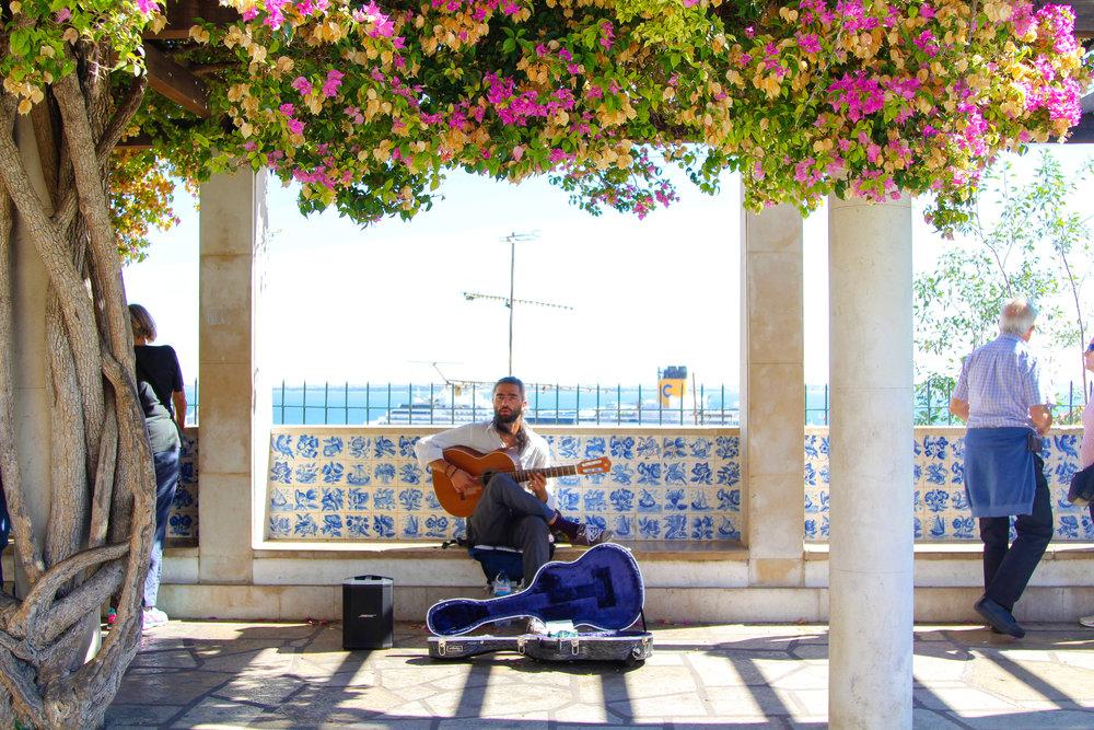 Fado musician in Lisboa