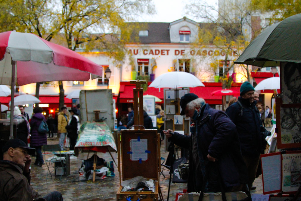 artists in Montmartre - guide to paris