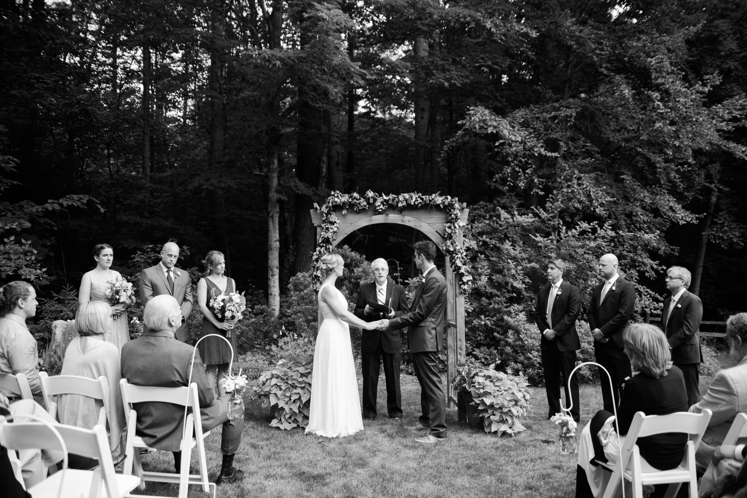 emily u0026 dan u0027s backyard wedding new england wedding photographer