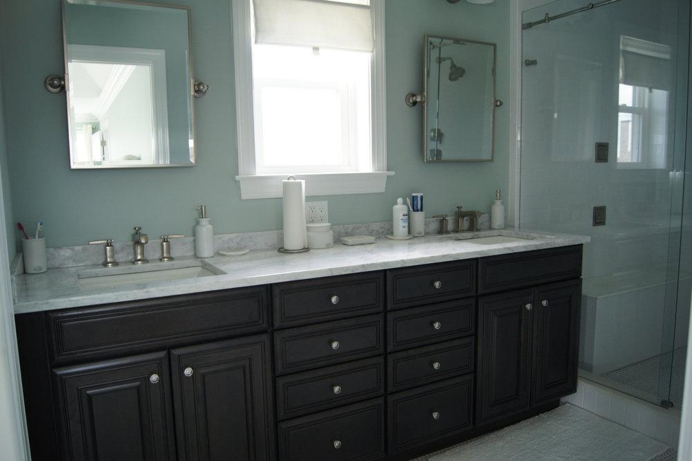 3221 bath.JPG