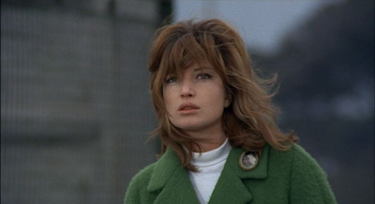 Monica Vitti as Giuliana
