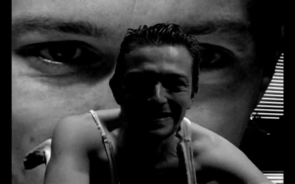 Christopher Nolan's  Doodlebug  (1997)