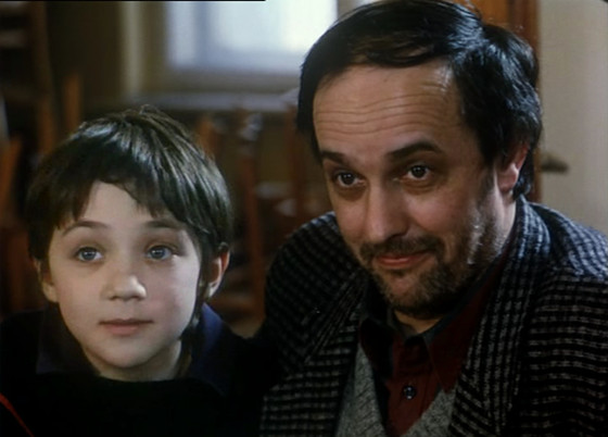 Krzysztof and his son in Decalogue One.