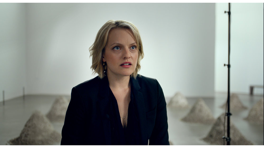 Elisabeth Moss plays Anne, an American journalist.