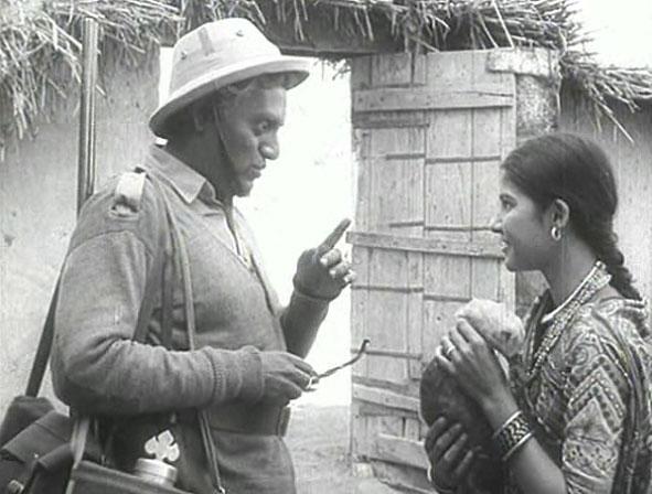 Mr. Shome (Utpal Dutt) and Gauri (Suhasini Mulay) in Mrinal Sen's  Bhuvan Shome .