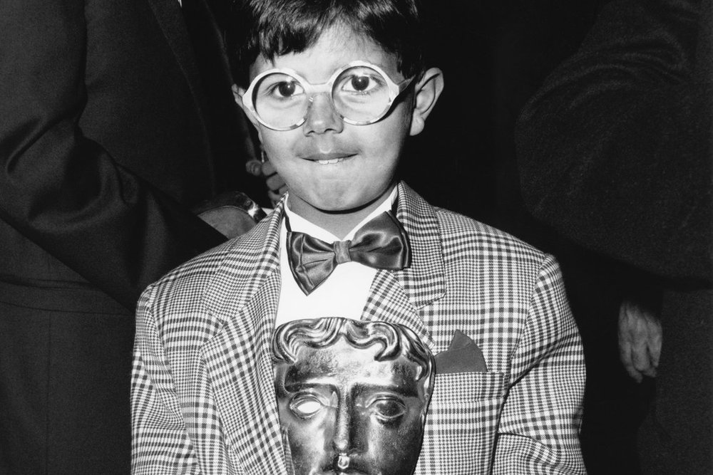 Salvatore wins the BAFTA (British Academy of Film and Television Arts) Award for Best Supporting Actor for his role in  Cinema Paradiso .