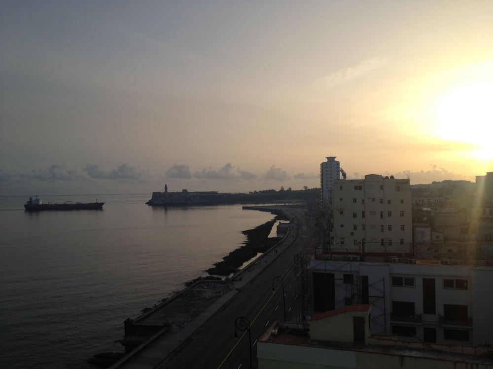 La Habana (Havana), sunrise view of el malecón
