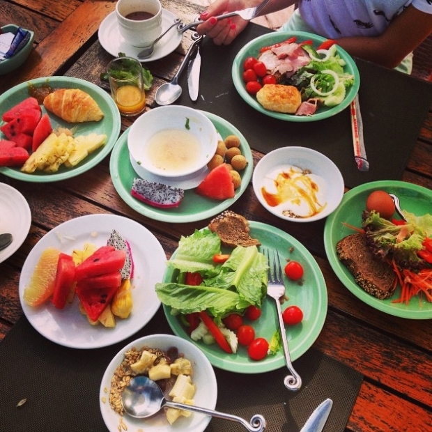 breakfast at the outrigger resort